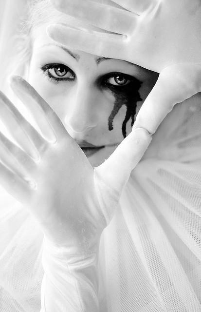 black-and-white-clown-doll-eye-face-Favim.com-184056