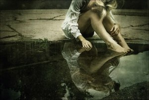 alone-depressive-girl-sad-water-Favim.com-196103
