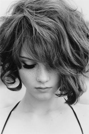 black-and-white-freckles-girl-hair-sadnes-Favim.com-264403