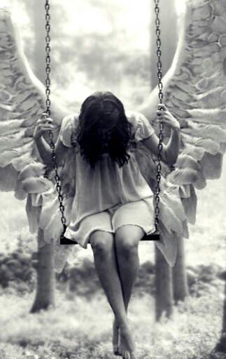 angel-art-black-and-white-creeping-Favim.com-3270320