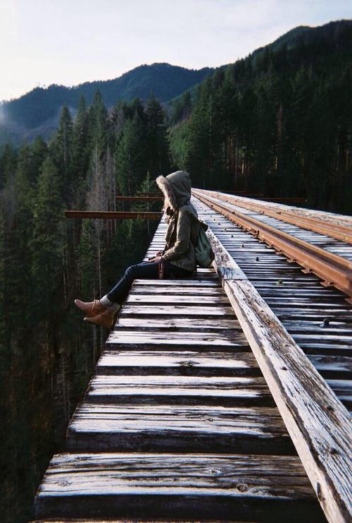 alone-forest-girl-landscape-Favim.com-3872380